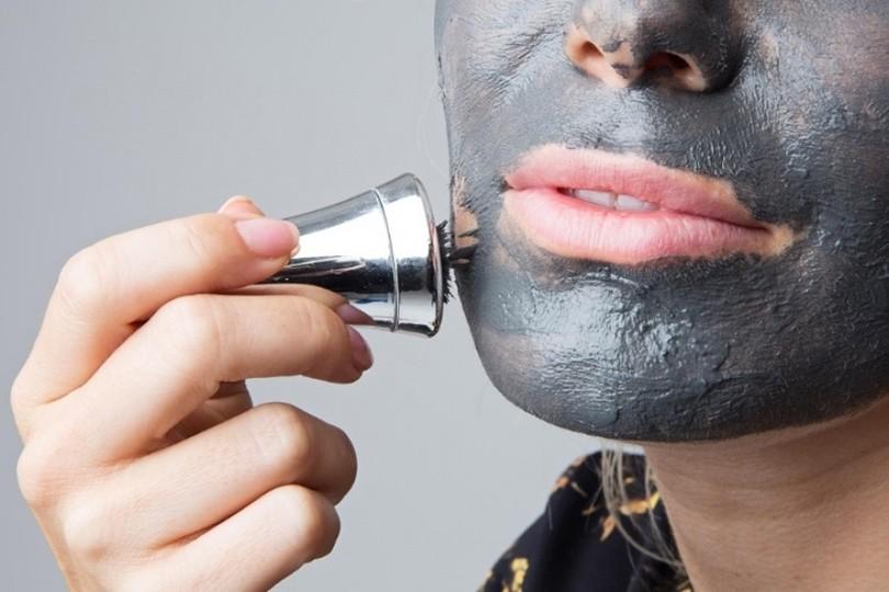 магнитная черная маска для лица