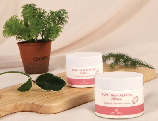 Укрепляющий крем с пептидами и экстрактом нони Royal Noni Peptide Cream The Skin House (фото, вид 1)