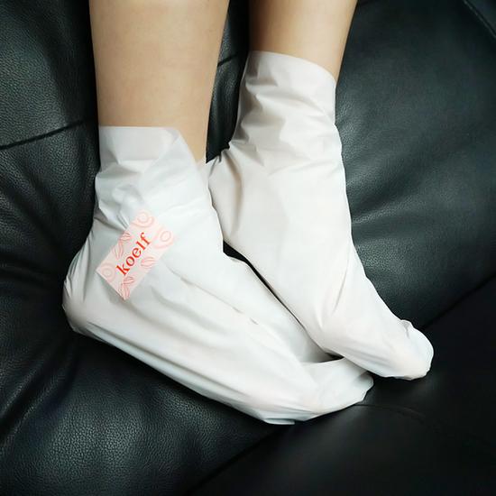 Смягчающая маска-носочки для ног Melting Essence Foot Pack KOELF (фото, носки пилинг для ног koelf)