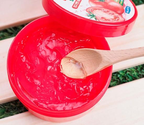 Увлажняющий успокаивающий гель для лица и тела с экстрактом томатов Tomato Moisture Soothing Gel FarmStay (фото, вид 1)