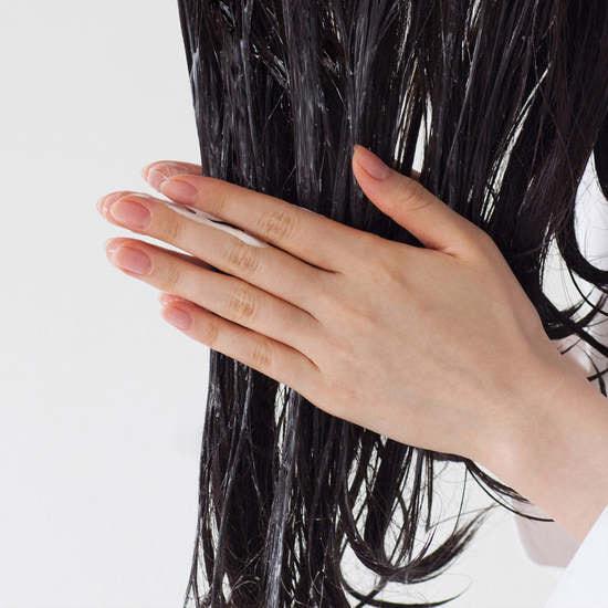 Органическая маска для сухих и поврежденных волос Quinoa Protein Treatment Mask Aromatica (фото, вид 2)