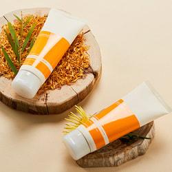Увлажняющий крем для лица с календулой Calendula Juicy Cream Aromatica. Вид 2